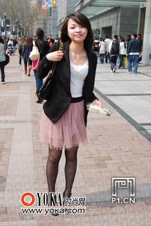 街拍:春夏交季上海人都穿些什么